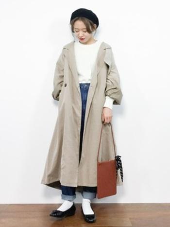 中に着るものやバッグ、靴などに気を付けて、全体のバランスを見ていくと、同じコートでも違った印象を作ることはできるんです!