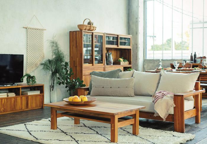 アソートカラーとは家具やカーテンなど2番目に大きな面積を占める部分に使う色のことです。素材や質感などでお部屋の印象を大きく左右するものです。