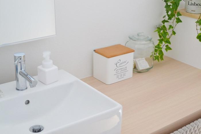 洗面所やトイレなどもお客さまをおもてなしする重要なポイント。意外と出入りが多くなる場所なので、いつも以上に清潔になるよう徹底的にお掃除を。
