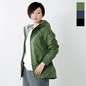 無駄のないすっきりとしたシルエットがおしゃれなパタゴニアのジャケット。アウトドアブランドの老舗であるパタゴニアですが、タウンユースにもピッタリの洗練されたデザインになっています。レジャーやちょっとしたお出かけにどうぞ。