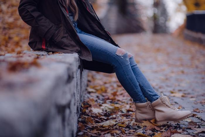 「どこが冷えますか?」と聞かれたら「足」「足先」と答える方が多いのではないでしょうか。お布団に入ったとき、足が冷えて眠れない...なんて事もありますよね。この冬は、足元を「冷やさない」工夫を、きちんとはじめてみませんか?