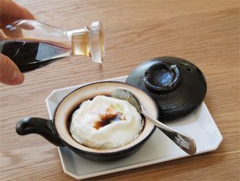 2Lサイズの玉子がすっぽり綺麗に収まり、水を使わずとも遠赤外線効果でふっくら焼あがります。お醤油やソースなどお好みの調味料を垂らせば、いつもの目玉焼きも特別なものに。