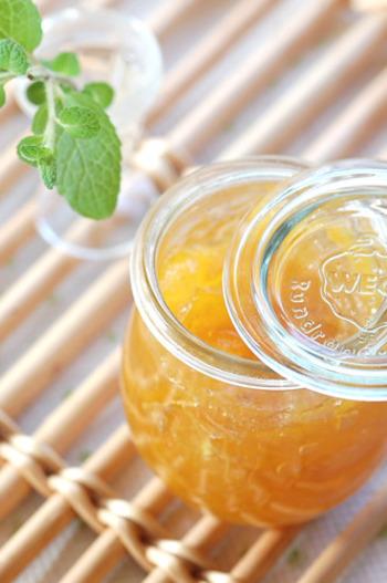 保存期間が長いと、フルーツに含まれる酸や、おかずメニューに含まれる塩分で容器が腐食してしまいます。1週間以上保存できるレシピの場合は、特にガラスやホーローなど腐食しない入れ物を使いましょう。