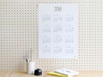 イラストレーターとして活躍中のNoritake(ノリタケ)さんの手書き文字がとっても可愛いカレンダー。