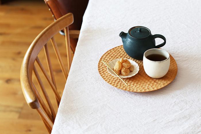 木の食器を食卓に迎えませんか?木工作家さんたちの丁寧な手仕事を紹介します。