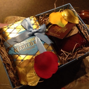 マリベルのおすすめドリンクは、ホットチョコレート。最高級のチョコレートバーを削ったホットチョコレートは芳醇なカカオの香りを堪能できます。