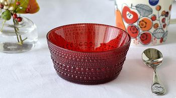 クリスマスにぴったりの赤、「クランベリー」。深みのある綺麗な赤には、より上質感が漂います。クリスマス気分が一気に上がるはずです♪