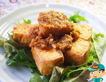 お肉だけでなく、揚げ豆腐にかけてもとてもおいしい怪味ソース。万能調味料ですから、迷うことなく、いろいろなお料理に試してみてください。