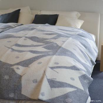 大きいフルサイズのブランケットは特に寒い日には夜寝る時にベッドで使うとぽっかぽか!日中もベッドスローとして使えばベッドルームもおしゃれな雰囲気になります。