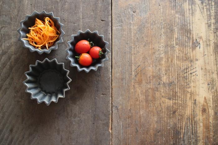 冒険心や遊び心のある印象的な小皿は、お料理上手でこだわり派のあの子に贈りたい。