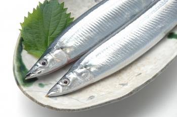 最後にご紹介するのは旬の魚「さんま」!定番ですが、脂ののったおいしい時期に、ぜひいただきたい食材です。さんまをシンプルに焼き上げて、素材のおいしさを十分に味わいましょう♪