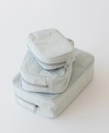 こちらのSIWAバックはカラーバリエーションがとても豊富で、サイズも3種類から選べます。和紙漉きの製法で作られた紙でできており、他にはない独特の質感が素敵です。