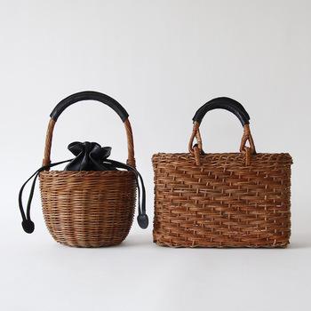 天然素材であるかごバッグも、経年変化で色の変化やツヤを楽しめるアイテム。夏が終わったらしっかりとお手入れして保管したいですね。