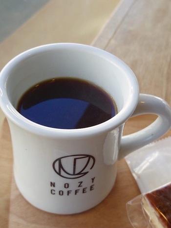 国や農園によって異なる個性をもったコーヒー豆。酸味や苦みなどが異なるので、お店を訪れた際はスタッフの方に相談するのがおすすめ。オンラインショップでも詳しい情報が載っているのでイメージしやすいですよ。