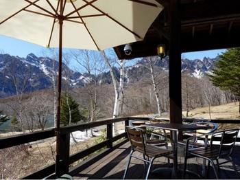 5月の連休は、残雪の戸隠連峰が望めます。
