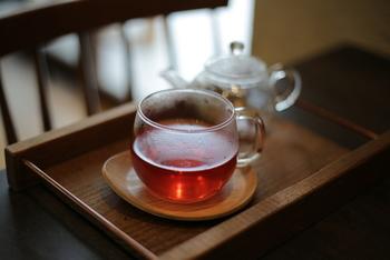 アロマディフューザーの香りに癒されながらのハーブティーは、また格別。 紅茶のフレーバーティーもおすすめです。