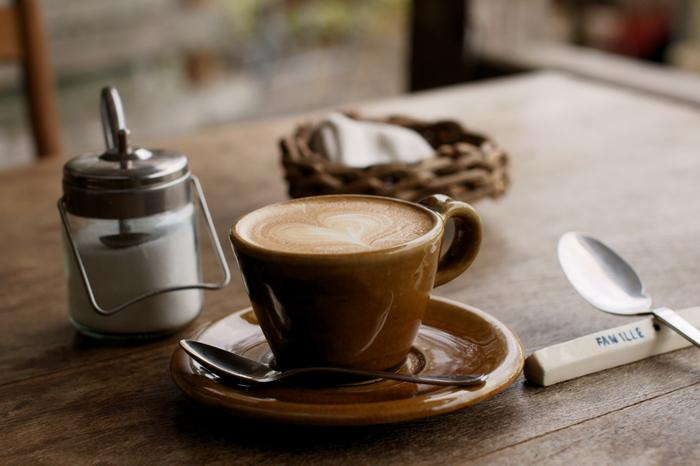 本当に美味しいコーヒーをさっと飲んで、さっと立ち去るというスマートなふるまいもコーヒースタンドならさりげなくこなすことができます。時間がないときでも楽しめるコーヒースタンドのコーヒー。ぜひ、一度、ご紹介したお店に立ち寄ってみてくださいね♪