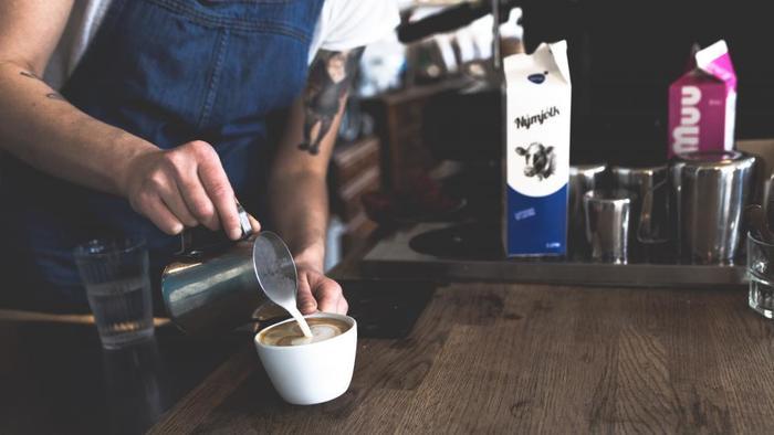 コーヒースタンドではコーヒー豆そのものに強くこだわりがあり、焙煎、ドリップなど研究を積み重ねて、本当に美味しい一杯を提供してくれるのです。