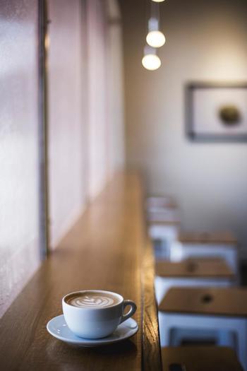 コーヒーを飲むことで、頭の中がすっきりしたり、リラックスしたりすることができます。さっと気分を切り替えるのにも、コーヒスタンドはぴったり。都内のお洒落なコーヒースタンドをご紹介していきましょう。