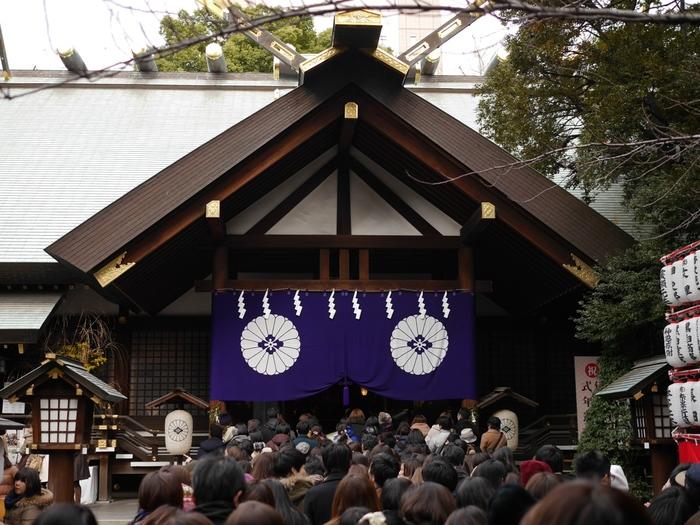東京大神宮は、天照皇大神と豊受大神を主祭神として祀る神社で、伊勢神宮の遥拝殿として1880年に創建された神社です。