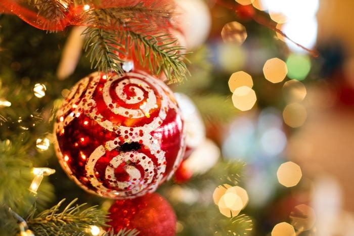 クリスマスを楽しむためのインテリアはいかがでしたか?プチプラアイテムでプチDIYしてみたり、ナチュラルな雰囲気を楽しんだり…アイデア次第で、素敵なインテリアを楽しむことが出来ます。お気に入りのクリスマスリースやツリーを飾って、おうちの中もクリスマスモードへと素敵に着替えてみませんか!