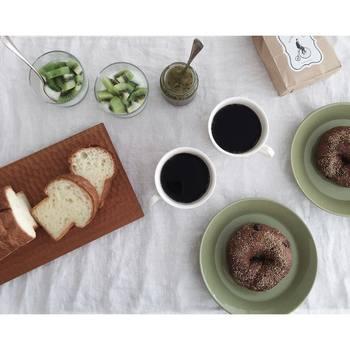 カットするとキノコのようでかわいいダンディゾンの食パン。自分の好みや、気分で食べ分けてみると面白いですよ。