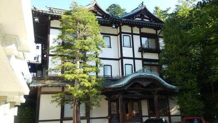 """美しい『クラシックホテル』の数々、いかがでしたでしょうか?関東近辺であれば移動もしやすいですし普段頑張っている自分へのご褒美として、ときには""""ちょっと贅沢""""もいいのではないでしょうか。ぜひ週末やお休みがとれるときに計画して行ってみてくださいね!"""