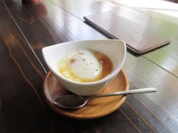 そして温泉街といえば温泉卵!カフェで頂く温泉卵はまた格別に美味しそう。ここに来たなら是非食べてみたい一品です。
