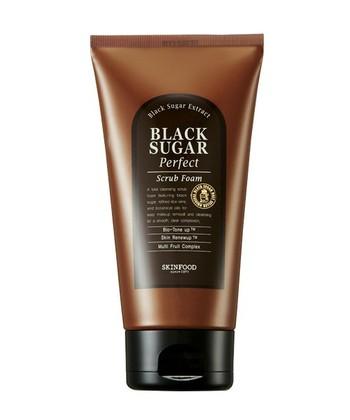 一番なじみが深いのが洗顔フォームではないでしょうか。洗顔フォームには多くの種類が発売されていますので乾燥肌から脂性肌までさまざまな肌タイプに合ったものを選ぶことができます。石けんと違い、浴室に置いておいても劣化が少ない点もポイントです。