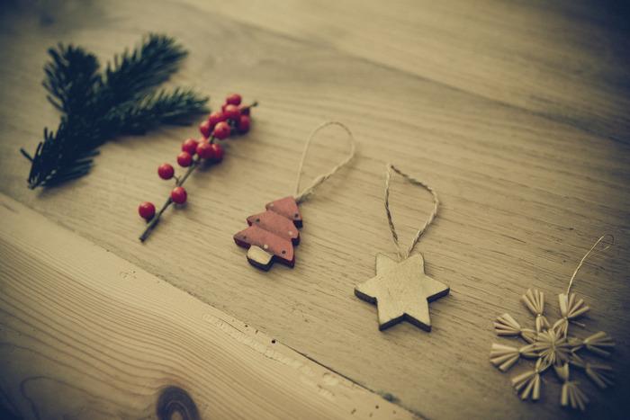 せっかくのクリスマスプレゼントですから、ラッピングにもちょっとおしゃれなアイデアを添えたいですね。