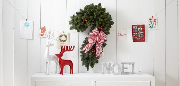クリスマスカードを添えるのも定番ですが、主役のプレゼントを邪魔しないシンプル&ナチュラルなものがおすすめ。