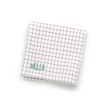 贈り物にはこんなワンポイントのかわいい刺繍が入ったハンカチはいかがでしょう?カジュアルな雰囲気ながらも品の良さを感じさせるアイテムは、使うたびに楽しくなりそうですね。
