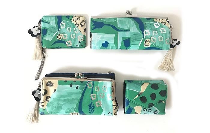 上から、左:パスケース、右:口金長財布、下左:口金外ファスナー長財布、右:三つ折り財布。