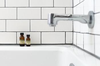 お肌のためには、メイク汚れはクレンジング、残ったクレンジングの油分は洗顔料で洗うのがおすすめ。「ダブル洗顔不要」のクレンジングもありますが、少し手間をかけてしっかりと洗顔してあげるのが美肌作りにつながりやすいですよ♪