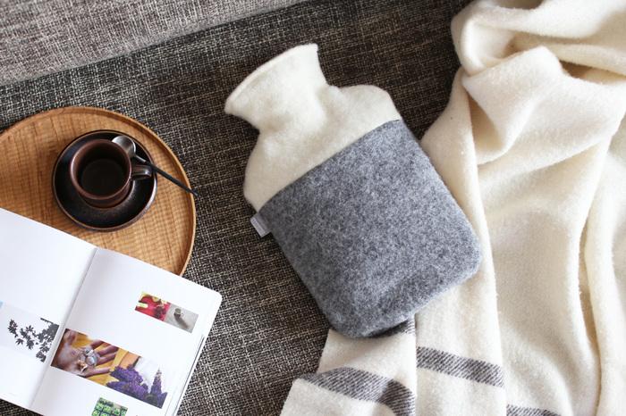 じわーっと温めてくれる湯たんぽの心地よい温もりは、体の芯まで温めてくれます。冷え性の解消の効果も。布団全体を暖めてくれるので、寒い冬でも快適な睡眠ができます。
