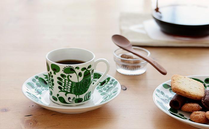 おとぎの世界のようなカップで、コーヒータイムも素敵。心地いい音楽とともに楽しめば、まるでカフェにいるみたい。
