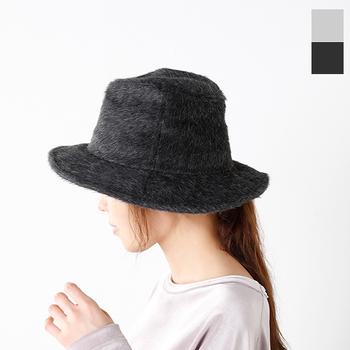 ■Nine Tailors(ナインテーラー) スーリーアルパカハット  希少なスリーアルパカを贅沢に使用した大人のハット。ワイヤー入りのプリムが美しいシルエットをキープしてくれるので、フォーマルな装いにもぴったりです。