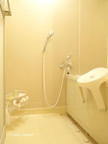バスルームはとても汚れやすい場所。気が付くと水アカやカビが目立ってきてしまい、ちょっとやそっとでは落ちない状態に。そうなるとお掃除の気力も萎えてしまいます。