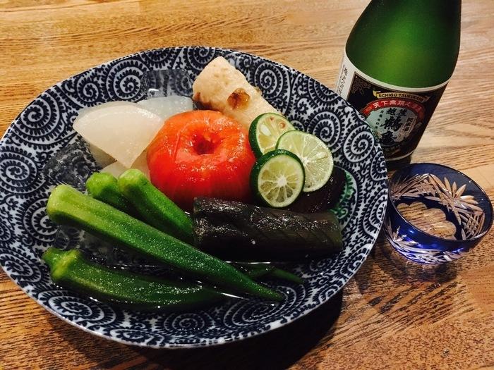 1年中おでんが食べたい!というおでん好きさんは、夏に訪れるのもおすすめ。今シーズンはすでに終了していますが、暑い季節には冷やしおでんがぴったり。きりっと冷えた日本酒にも合いますよ。