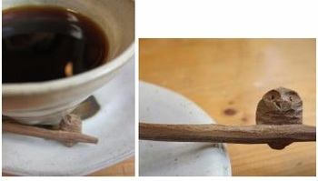 木製スプーンの持ち手にはフクロウが彫られて。(筆者撮影)