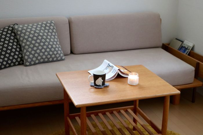 """一度座ったら動きたくなくなるような、""""自分のお気に入りの場所""""を作るのも大切です。座り心地のいいソファがあれば、帰るのが楽しみになりますよね。"""