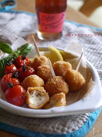 モッツァレラチーズに生ハムを巻き、揚げたころんとかわいいプチフライ。食べやすいので立食のパーティーやお弁当にも向いています。