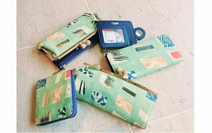 上から右回りに口金外ファスナー長財布、パスケース、Lファスナー長財布、がま口長財布、Lファスナー小銭いれ。