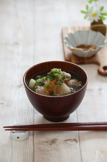 ■ 具だくさん豚汁 根菜類がたくさん入って豚肉のうまみやコクもプラスされ、美味しい豚汁が出来ちゃいます。たっぷり作って2~3日楽しみたいですね♪