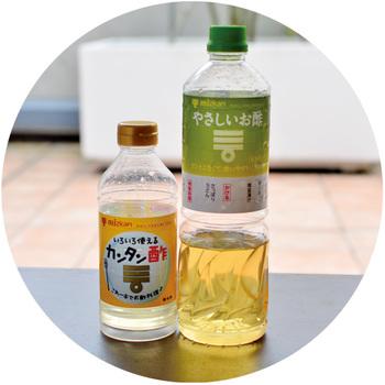 汚れがこびりつきやすい網には、ハケやキッチンペーパーであらかじめお酢か油を塗っておきましょう。網の焦げ付きを防いでくれ、魚をひっくり返すのも楽になりますよ♪