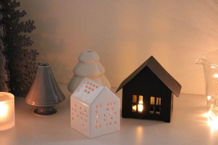 デンマークの街並みを思わせるキャンドルホルダー。いつも以上にキャンドルの灯かりがロマンティックに感じられる季節は、キャンドルの灯かりに癒されながら、冬の夜をのんびりと楽しんでみて♪