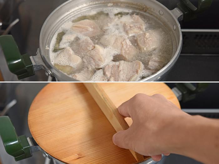 角煮を作るうえで最大のポイントとなるのが「豚肉の余分な油をしっかり落とす」ということ。 とぎ汁が鍋の中で対流するくらいの火加減で30分茹でたら火を止め、蓋をして30分蒸らします。この一連の動作を3回続けて行います。  トータルで3時間かかりますが、ずっと茹で続けているわけではないので、思ったほど大変な作業には感じないはず。特にアクをすくい取る必要もないので、のんびり気楽にできそうです。