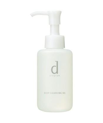 オイルクレンジングは、オイル成分でメイク汚れを浮かせたあとに水分を加えて乳化させ洗い流すという方法。メイク汚れはよく落ちますが、オイルを乳化させるために界面活性剤を多く含んでいるため肌に負担がかかりやすいということも。洗い上がりは乾燥しやすいので、比較的、脂性肌の人におすすめです。