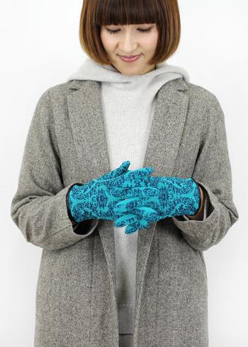 ■MARCOMONDE マルコモンド グローブ  クラシカルなパターンと鮮やかなカラーがステキなグローブ。フィット感のあるスリムなグローブなので、ドレスアップした日にもおすすめ。暗い色が多くなりがちな冬の装いのアクセントにも♪