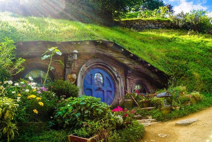 ファンタジーや推理小説に冒険もの…。せっかくだから自分を新しい世界に連れていってくれるような物語をセレクトしてみませんか?ワクワクする非日常の世界を楽しんでみてください。